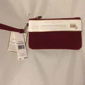 Adrienne Vittadini studio charging wallet